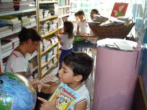 Estudantes podem ter acesso ao acervo da biblioteca infantil