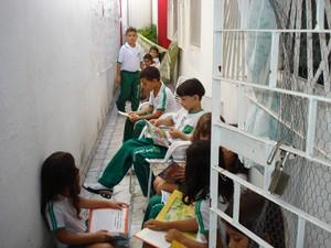 Estudantes visitam espaço montado em uma casa de Arapiraca