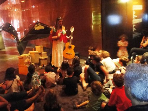 Beatriz Myrrha movimentou a criançada presente no MMM