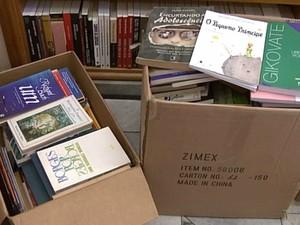 Livros arrecadados serão doados para a biblioteca (Foto: TV Integração/Reprodução)