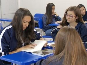 Livros fazem sucesso em escola da cidade (Foto: Reprodução/TV Integração)