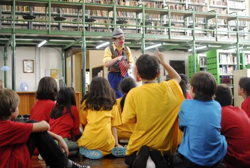 Biblioteca Pública do Paraná recebe crianças sábado à noite