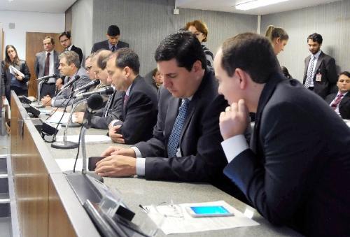 O relator opinou pela aprovação da matéria na forma do substitutivo nº 2, da Comissão de Cultura (Foto: Ricardo Barbosa)