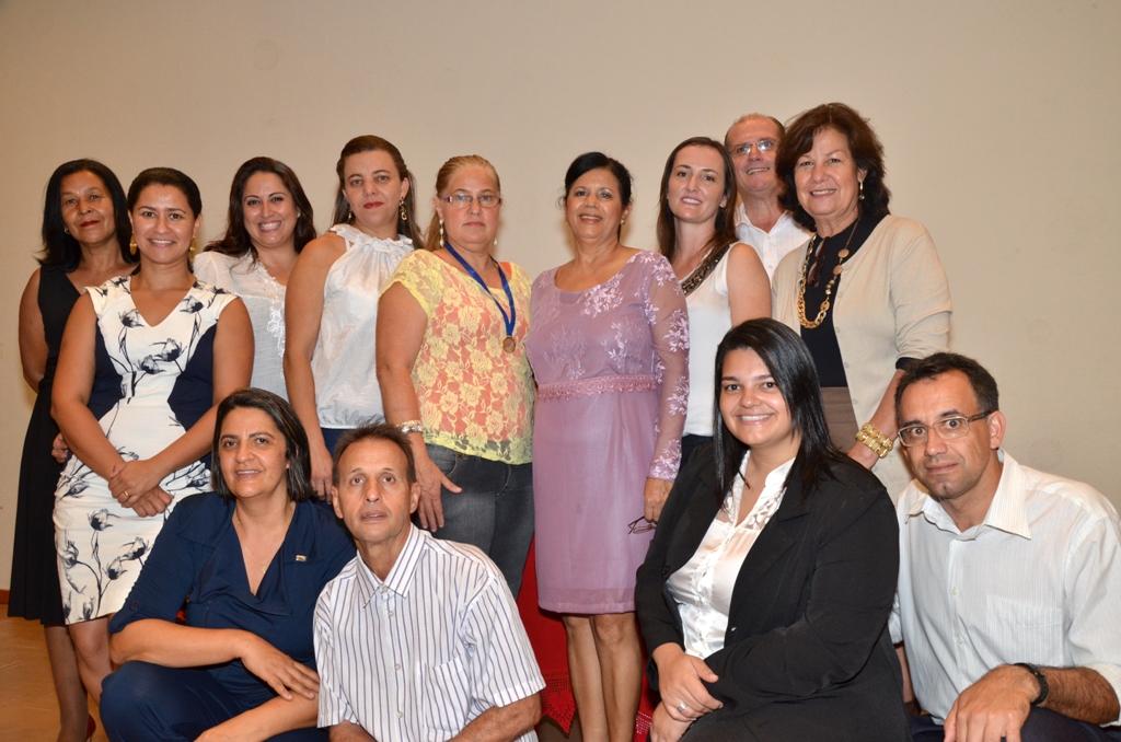 Equipe de bibliotecários e educadores envolvidos nos projetos culturais. (Foto: Divulgação)