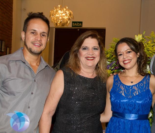 Os bibliotecários fiscais Lúcio Tannure e Orfila Mudado, juntamente com a bibliotecária gerente Fernanda Alvarenga