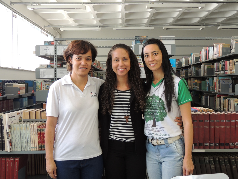 NOTA 1.1 - PEQ - Janete, auxiliar; Kelly, Bibliotecária e Lindaura, auxiliar