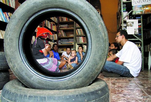 Incentivo. Há quase dez anos, a Borrachalioteca recebia seus primeiros leitores e hoje abriga o primeiro festival literário de Sabará (Foto: Reprodução/O Tempo)