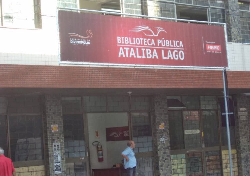 Fachada da Biblioteca Pública Municipal Ataliba Lago, em Divinópolis (Foto: Divulgação)