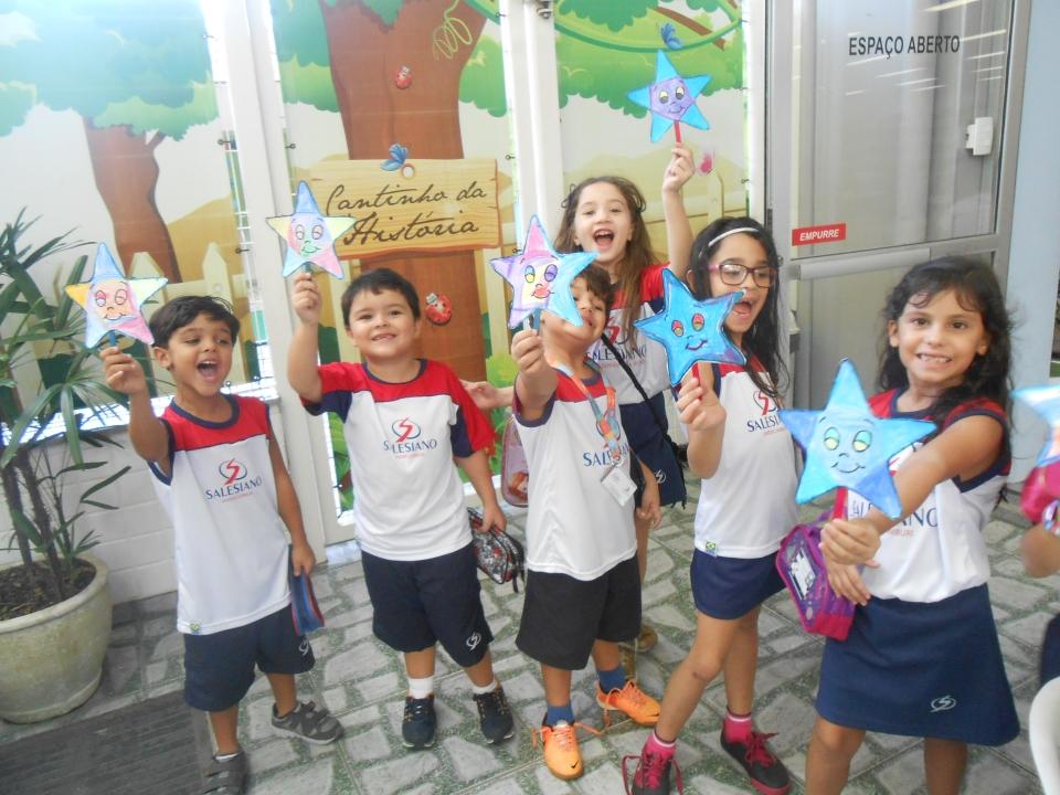 Crianças participam de brincadeiras literárias no colégio (Foto: Assessoria do Colégio Salesiano)