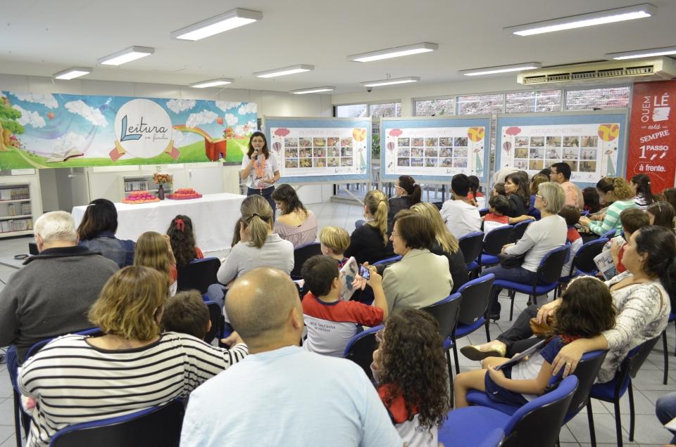 Familiares participam de evento literário com estudantes (Foto: Assessoria do Colégio Salesiano)