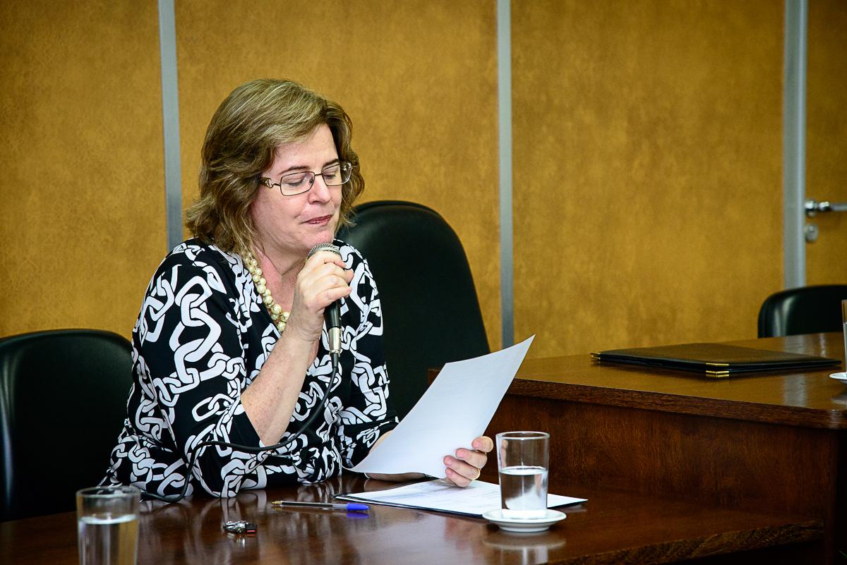 A Desembargadora Monica Sette Lopes falou sobre a importância do papel do bibliotecário na recuperação de documentos (Foto: SECOM/TRT-MG)