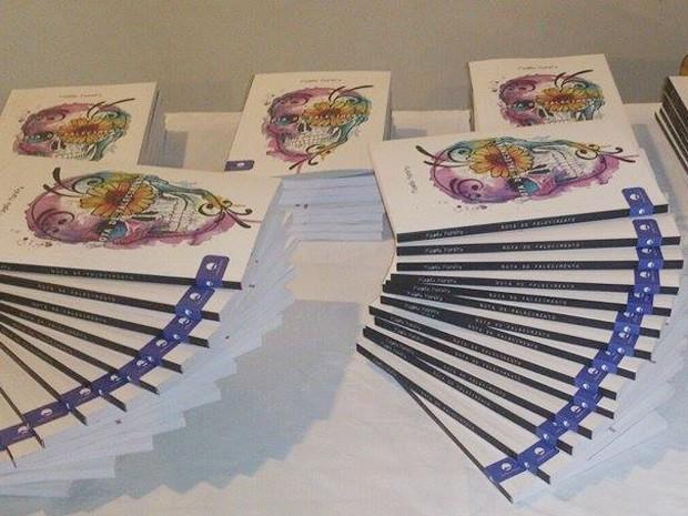 Lançamento do livro Nota de Falecimento, em Itaúna (Foto: Magela Moreira/Divulgação)