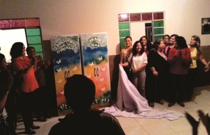 Biblioteca itinerante é inaugurada em Arcos (Foto: Rossela Santos)