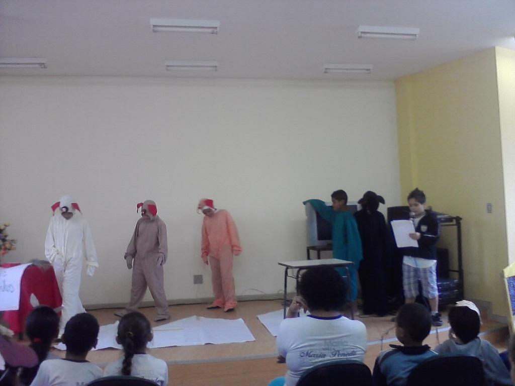 Crianças participam de comemoração na Semana do Livro (Foto: Divulgação)