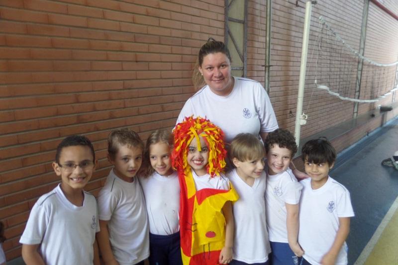 Crianças entram em contato com personagens da literatura brasileira (Foto: Divulgação)