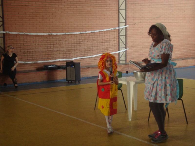 Estudantes interagem de forma concreta com a literatura (Foto: Divulgação)