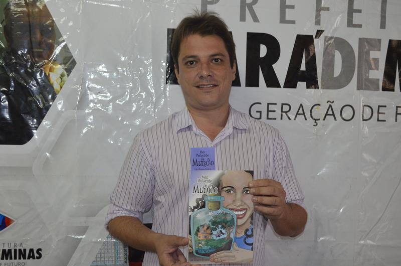 Eduardo Rocha, gerente da Biblioteca Pública Municipal de Pará de Minas (Foto: Divulgação)
