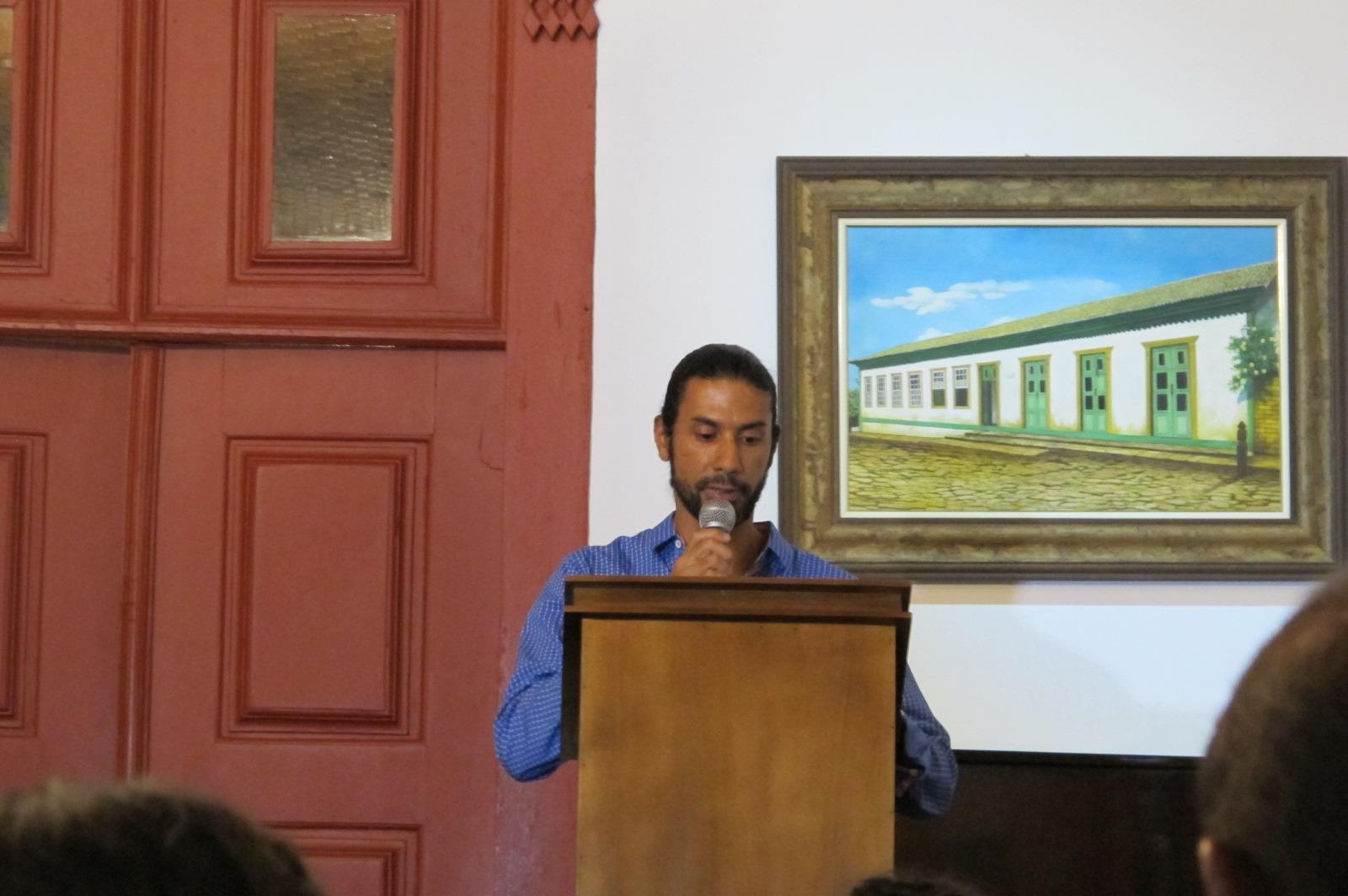 Adriano participa de confraternização em homenagem aos leitores mais fiéis do município (Foto: Divulgação)