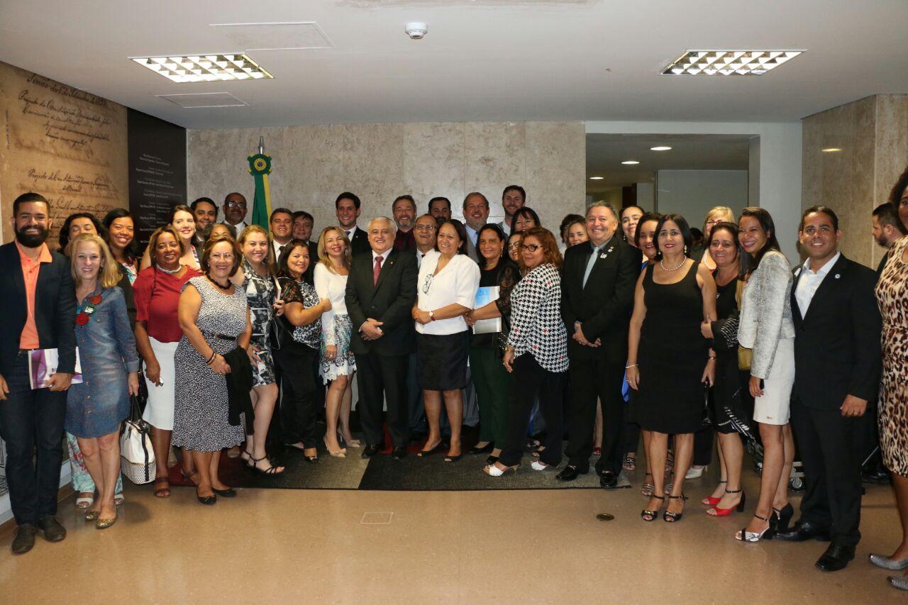 Solenidade reúne os presidentes de todos os CRBs em Brasília (Foto: Folha Regional)