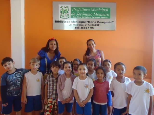 """Visita temática de estudandes """"Locais Fantásticos da Literatura Infato-Juvenil"""", em 2014 (Foto: Divulgação)"""