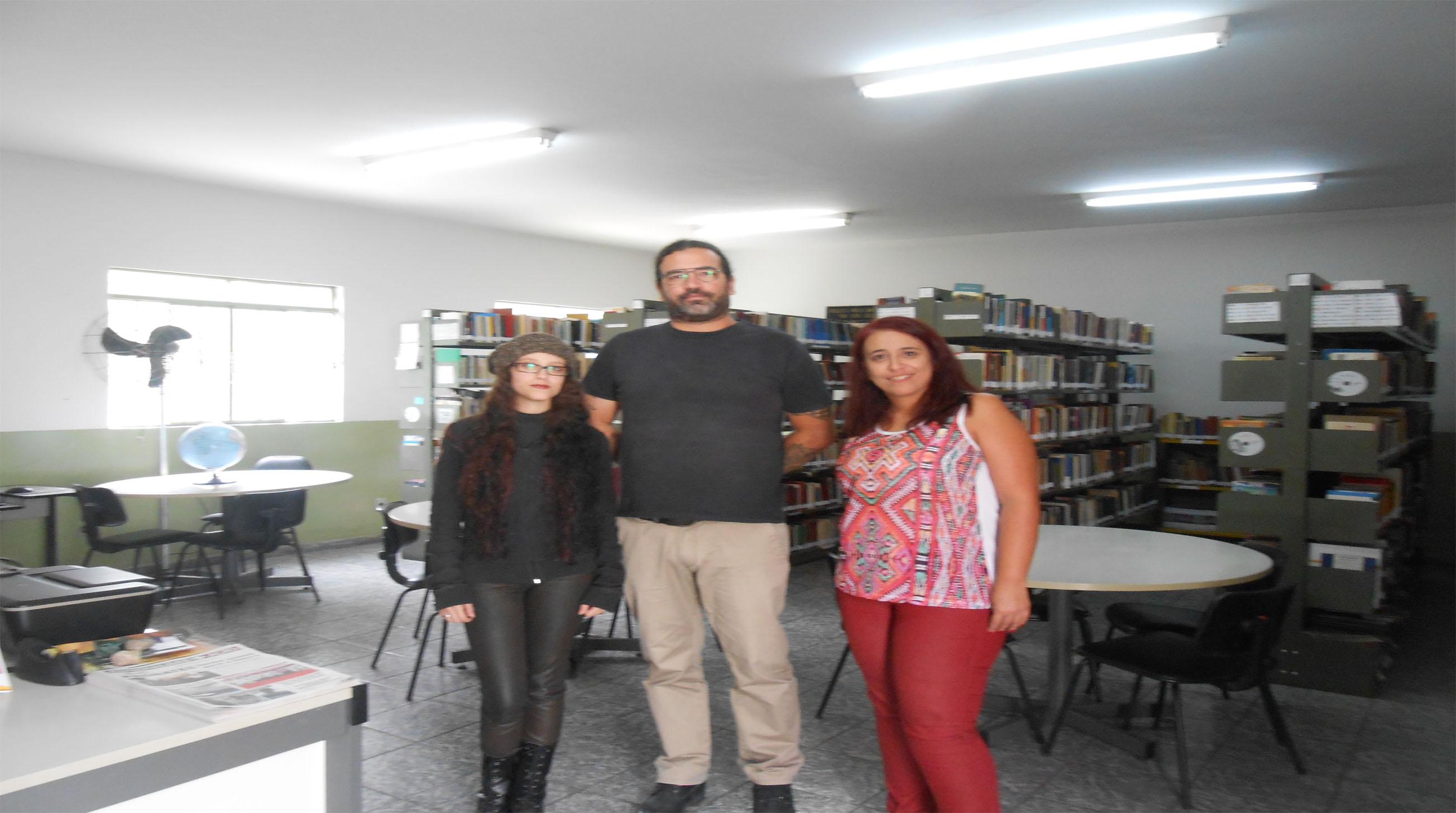 Equipe reestruturou o acervo da biblioteca (Foto: Divulgação)