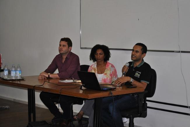 Álamo Chaves, Sindier Antônia e Wellington Marçal destacam o papel das bibliotecas para o fomento da cultura afro-brasileira (Foto: Maíra Bueno)
