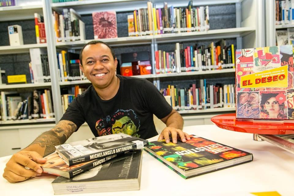 Josenberg Mendes, idealizador do projeto Palco Biblioteca (Foto: Tarcísio de Paula)