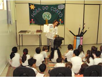 Contação de histórias é umas das atividades do mês de julho  (Foto: Prefeitura de Divinópolis/Divulgação)