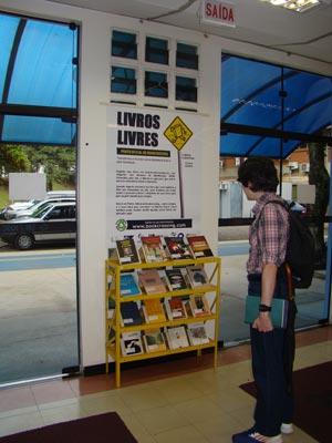 Biblioteca é ponto de BookCrossing (Foto: Fábio Boracini)