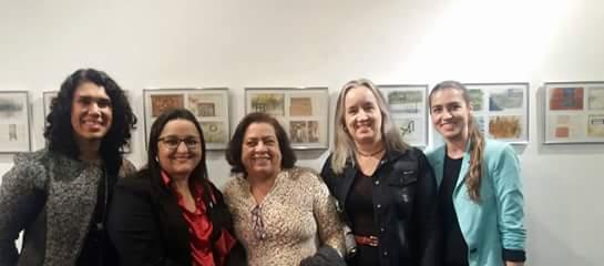 As bibliotecárias Marina Nogueira, Dalgiza Andrade, Denise Ramos, Marília Paiva e Silvânia Alves participam do evento (Foto: Divulgação)