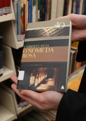 """""""O Nome da Rosa"""", do ateu Umberto Eco (Foto: Junior Lago/UOL)"""
