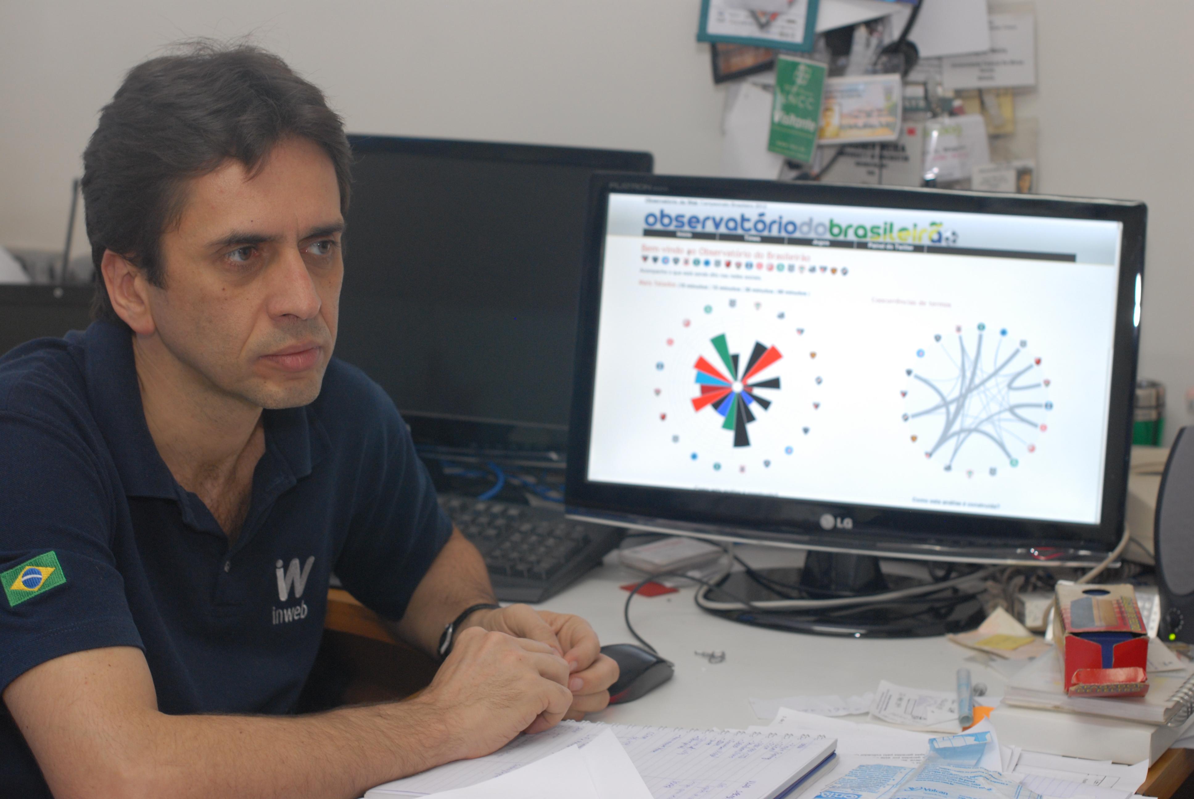 """Professor Wagner Meira, autor de uma das propostas selecionadas: identificação de """"zonas quentes"""" para controle de doenças transmitidas pelo Aedes aegypti (Foto: Bruna Brandão / UFMG)"""