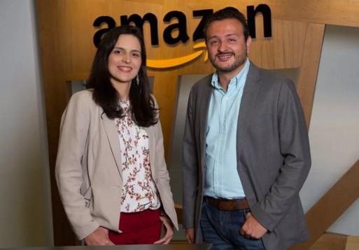 Daniele Cajueiro, da Nova Fronteira, e Ricardo Garrido, da Amazon, anunciaram o novo Prêmio Kindle de Literatura (Foto: Divulgação)