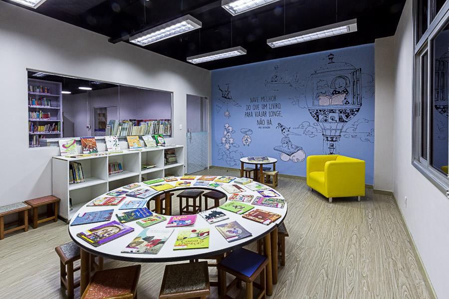 Biblioteca Dante Alighieri busca promover o gosto pela leitura (Foto: Fundação Torino)