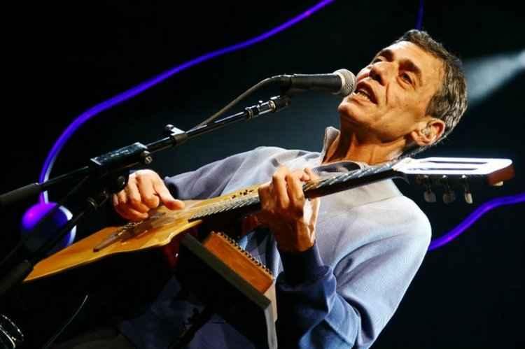 Chico Buarque vence prêmio pelo conjunto da obra na França. (Foto: Facebook/Divulgação)