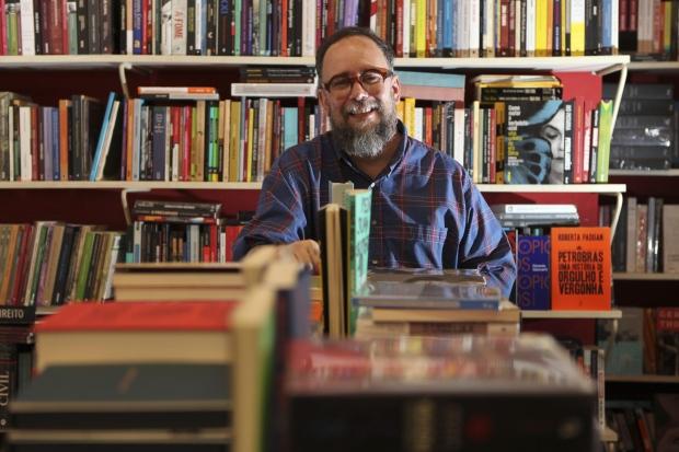 Alencar Perdigão, da Quixote, é um dos que advogam a causa do incentivo à leitura em Belo Horizonte (Foto: Reprodução/O Tempo)