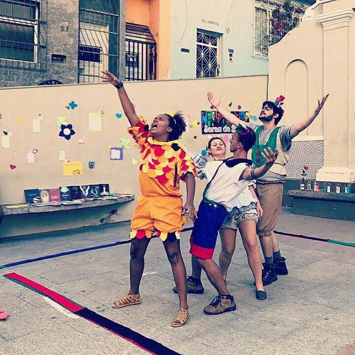 Apresentação Saltimbancos no Centro Cultural Sesc Glória (Foto: David Rocha)