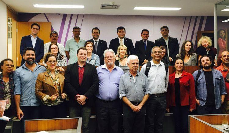 Presidente da CML Rosana de Mont'Alverne defende o PELLLB de Minas Gerais na da Comissão de Cultura da Assembleia Legislativa (Foto: CML)