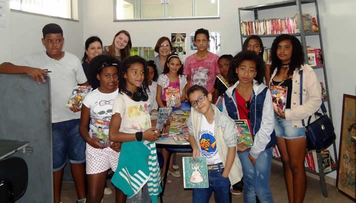 Projeto Férias na Biblioteca acontece na biblioteca pública Manhuaçu (Foto: Reprodução/Jornal das Montanhas)