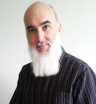 Francis Kurkievicz irá ministrar oficina sobre poesia com base no Haikai (Foto: Divulgação Semc)