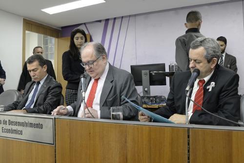Um visita à Helibrás e audiências sobre estádio do Atlético e planta de grafeno também foram aprovadas pela comissão no dia 03 de outubro (Foto: Guilherme Bergamini)