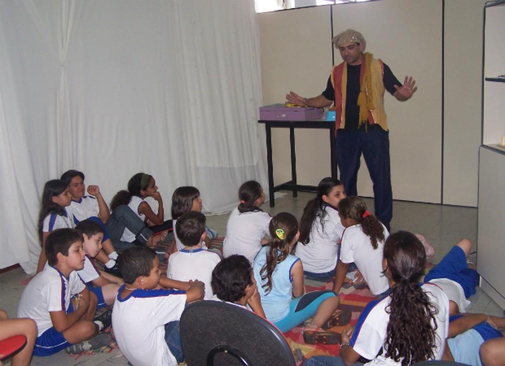 O Projeto 'Hora do Conto' acontece nos dias 17 e 24 na Biblioteca Pública Municipal Ataliba Lago (Foto: Ascom/Prefeitura de Divinópolis )